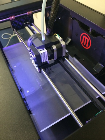 MakerBot Replicator 2 Printing